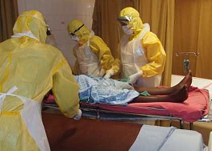 Apoyo a la reapertura de los servicios en el Saint Joseph Catholic Hospital de Monrovia tras la epidemia de Ébola.